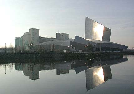Imperial War Museum North Manchester / Salford UK Daniel Libeskind 2002 http://www.galinsky.com/buildings/iwmnorth/index.