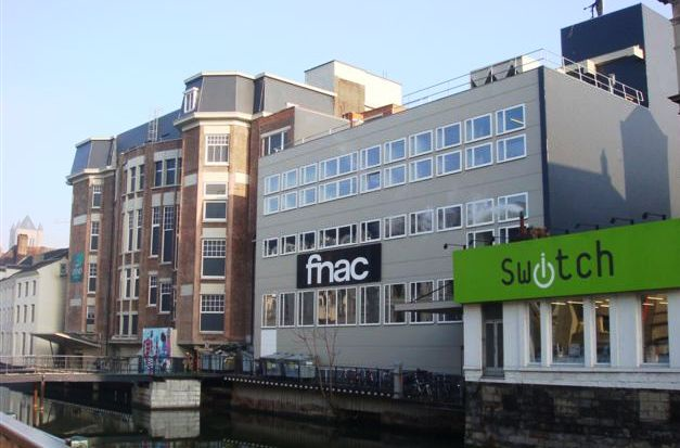 5. Fnac Gent One of the latest partners in this measure is Fnac Gent. This branch of the famous chain store is located in one of the biggest shopping streets, right in the historic centre of Gent.