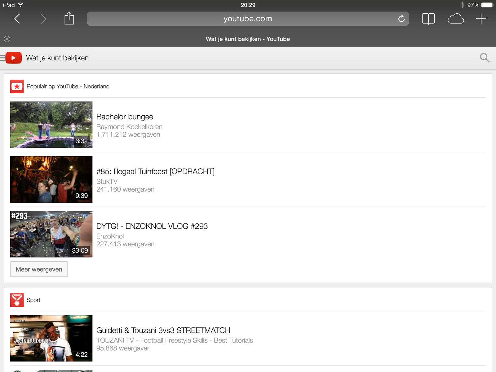 3.2 Tablet De tablet screenshots zijn genomen op een ipad met een geschaalde resolutie van 1024x768. 3.2.1 Youtube Visual complexity; De visual complexity van de youtube site voor tablets is laag.
