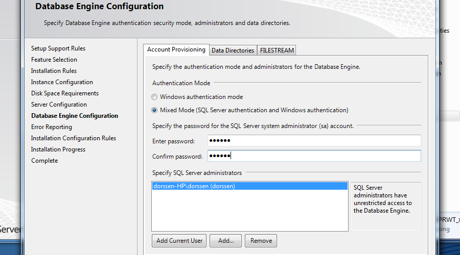 Database Engine Configuration Onder Authentication Mode moet 'Mixed Mode' worden gekozen.