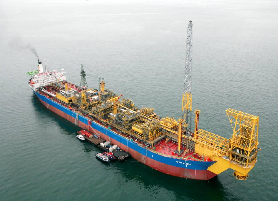 s Saxi and Mondo SBM Offshore Opdrachtgever: ExxonMobil Omgebouwd in Singapore Geïnstalleerd offshore Angola First Oil: -