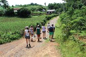 Rondreizen / Azië / Vietnam Yomads - Vietnam, 12 dagen Code 950079 R Internationale groep unique travel experiences for the 20s and 30s, rondreis langs hotels, homestay and lodges Zie www.yomads.