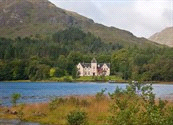 Europa / Groot-Brittannië Code 417025 P BED&2DO Niveau Accommodatie Hond mee op aanvraag Schotland - Loch Shiel * into the wild, 3 dagen BED&2DO, verblijf in fraai landhuis Halverwege de Road to the