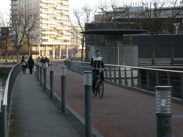 Bicycle paths are seperated from