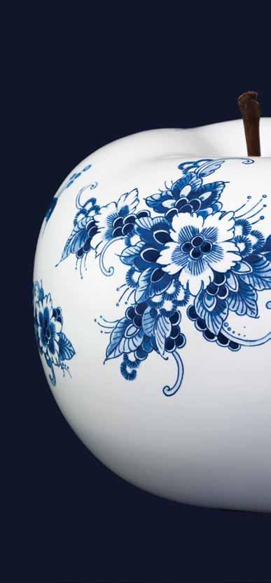 CUSTOM MADE The variation in style and design, which is custom made 7 by the master painters of Royal Delft, make each apple a unique piece of art.