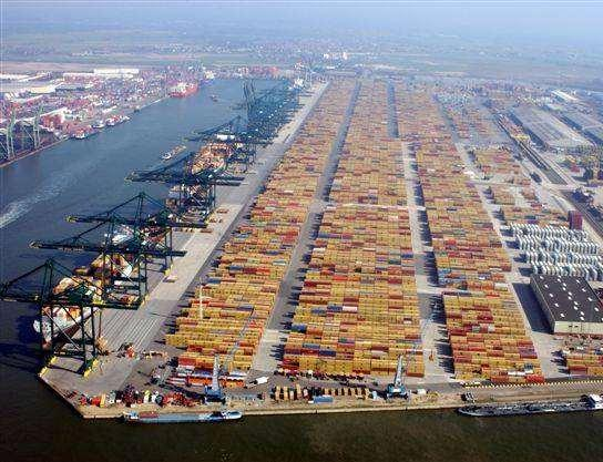 Key figures for Antwerp Port Authority 1594 employees Port area surface: 13.