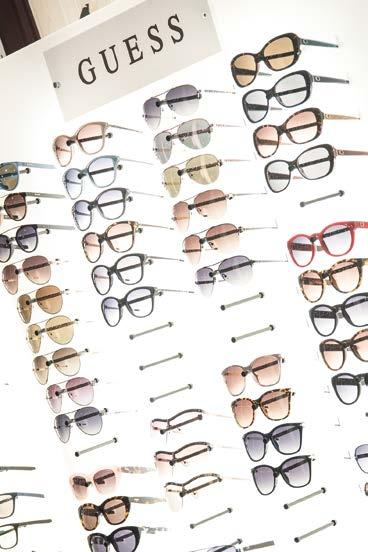 6a270354b03d9b de opticien COVERSTORY INTERVIEW DE PARIJSE CHIQUE VAN LAFONT ...